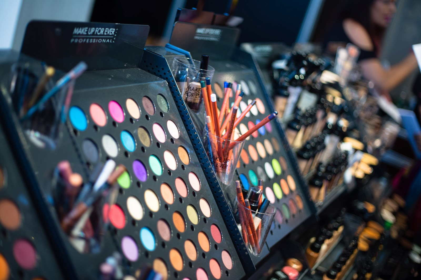 Are cosmetic packaging suppliers ready to relocate their